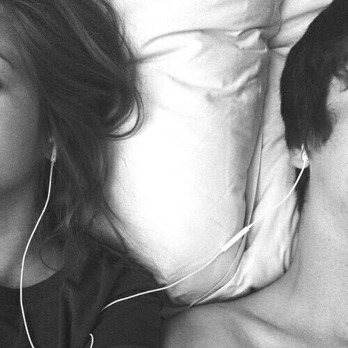 ...и я засыпаю на твоей руке